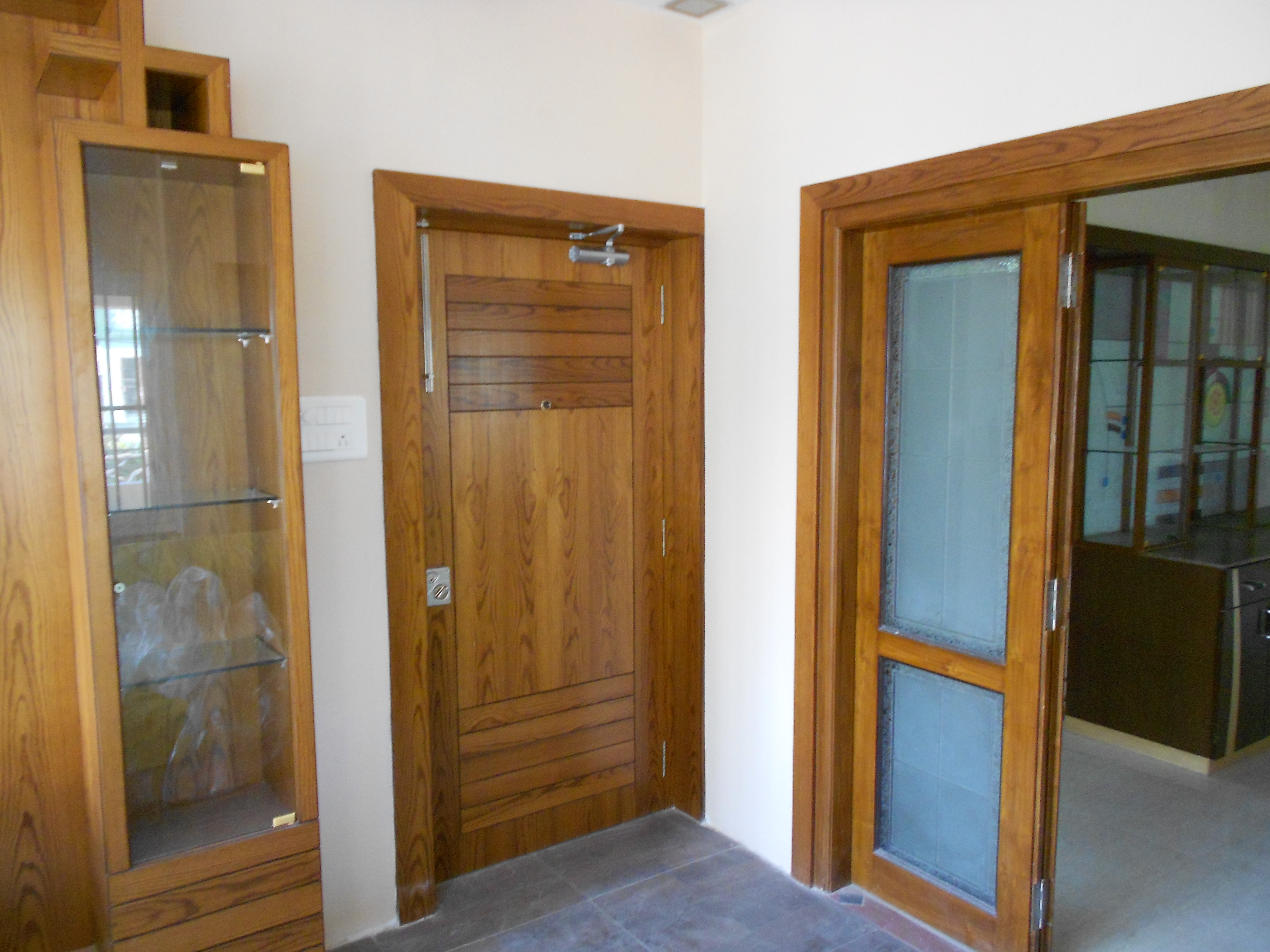 Wood Finished Door   Elegant Teak Furniture