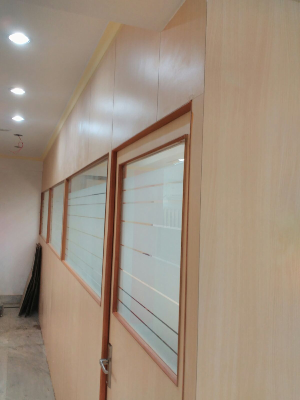 Interior design and decoration gallery efficient enterprise - Wooden glass partition design ...