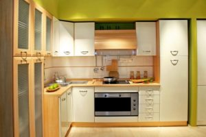 couple-of-light-colours-to-decorate-a-kitchen