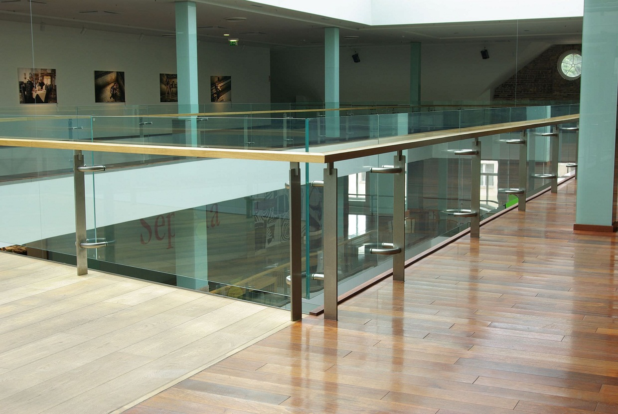 glass railings for residential places